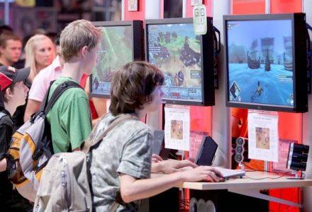Computer+Gaming+Convention+JyKQE1UrQrbl